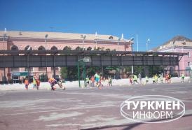 http://www.turkmeninform.com/set/Balkanskiy_velayat/Obshestvo/yunie_futbolisty.jpg
