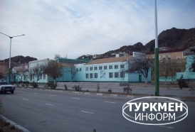 http://www.turkmeninform.com/set/Balkanskiy_velayat/turkmenbashi/dom_sporta.jpg