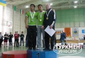 http://www.turkmeninform.com/set/Novosti_v_MIRE/WDFPF/dayanch_vepa_karklin.jpg